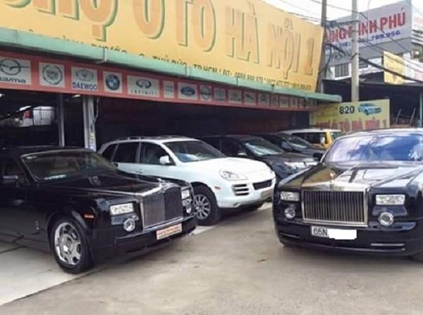 Xôn xao siêu xe Rolls-Royce Phantom giữa chợ xe cũ - ảnh 1