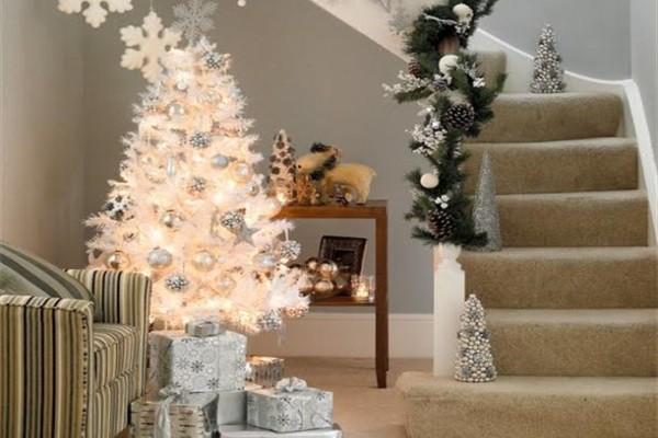 10 gợi ý trang trí cây thông thật lộng lẫy đón Giáng sinh 2015 - ảnh 7