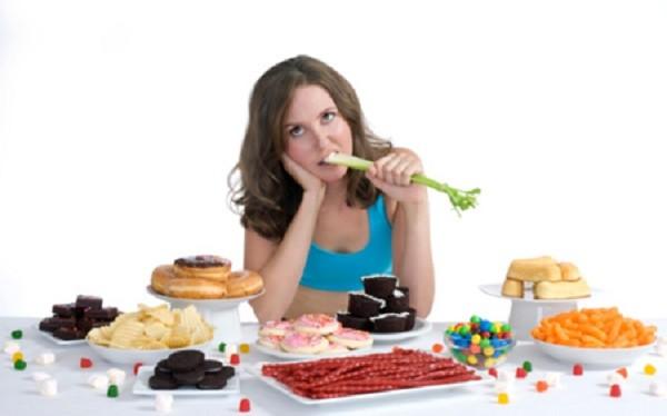 Những lỗi sai cơ bản trong ăn uống mà bạn cần biết - ảnh 1