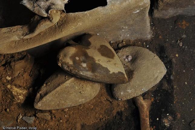 Phát hiện 5 di cốt trái tim 400 năm tuổi còn nguyên vẹn ở Pháp - ảnh 2
