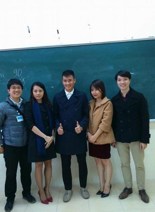 Thủy Tiên ủng hộ Công Vinh đi học đại học - ảnh 4