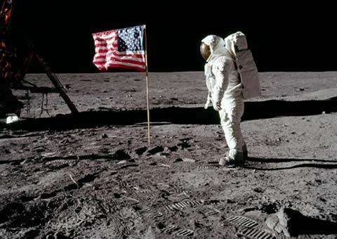 Cuộc đổ bộ của con người lên mặt trăng là sản phẩm của Hollywood? - ảnh 2