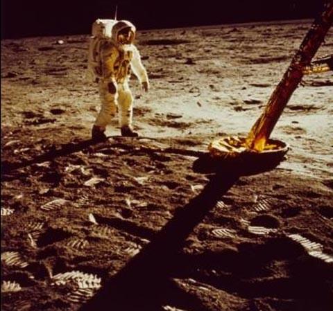 Cuộc đổ bộ của con người lên mặt trăng là sản phẩm của Hollywood? - ảnh 6