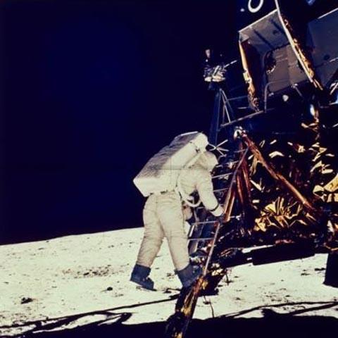 Cuộc đổ bộ của con người lên mặt trăng là sản phẩm của Hollywood? - ảnh 7