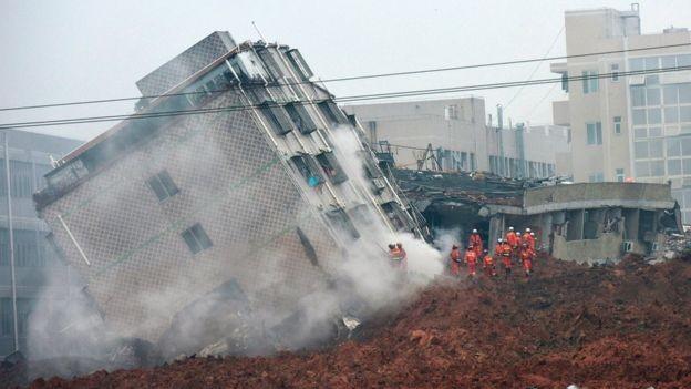 Lở đất ở Trung Quốc, 22 tòa nhà ở khu công nghiệp sụp đổ - ảnh 2
