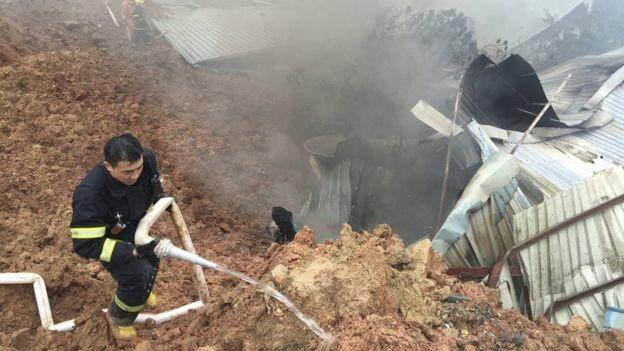 Lở đất ở Trung Quốc, 22 tòa nhà ở khu công nghiệp sụp đổ - ảnh 3