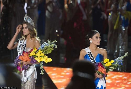 Tân Hoa hậu Hoàn vũ 2015 xin lỗi Hoa hậu Colombia - ảnh 4