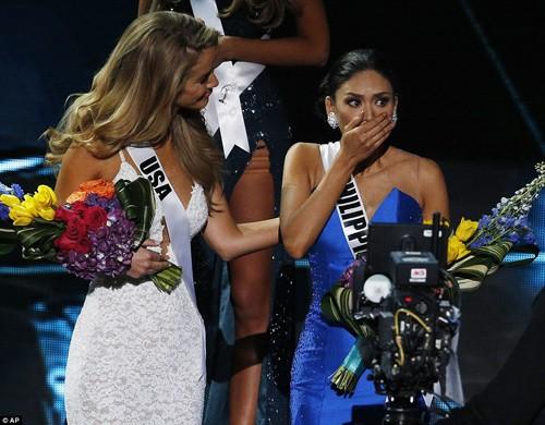 Tân Hoa hậu Hoàn vũ 2015 xin lỗi Hoa hậu Colombia - ảnh 3