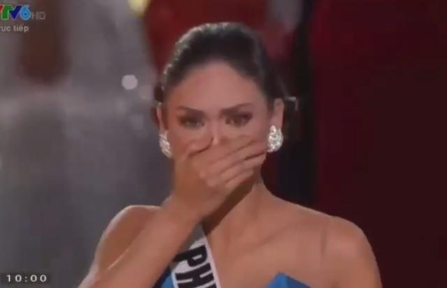 Giây phút sốc của hoa hậu Colombia khi bị gỡ vương miện - ảnh 2