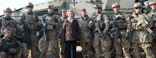 Chuyện ít biết về người phụ nữ có thể thay thế Thủ tướng Merkel - ảnh 8