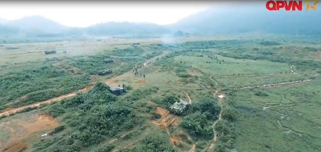 Cận cảnh Quân đội Việt Nam diễn tập thực binh bắn đạn thật - ảnh 3
