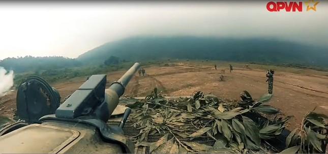 Cận cảnh Quân đội Việt Nam diễn tập thực binh bắn đạn thật - ảnh 7