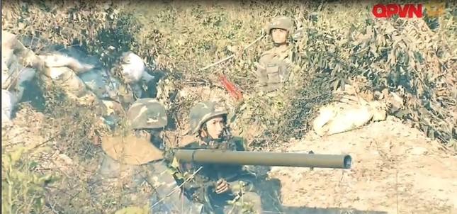 Cận cảnh Quân đội Việt Nam diễn tập thực binh bắn đạn thật - ảnh 8