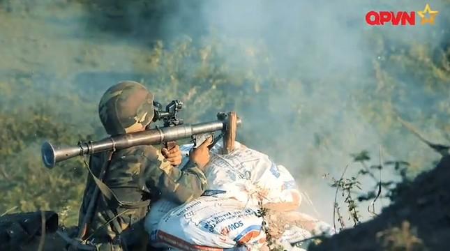 Cận cảnh Quân đội Việt Nam diễn tập thực binh bắn đạn thật - ảnh 9