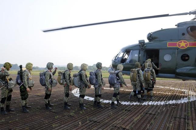 Xem lực lượng đặc công tinh nhuệ của Việt Nam 'luồn sâu đánh hiểm' - ảnh 2