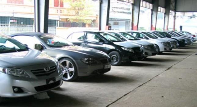 Lượng tiêu thụ ô tô trong nước tăng vọt tháng cuối năm - ảnh 1