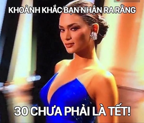 Cười bò loạt ảnh chế sự cố trao nhầm vương miện Hoa hậu hoàn vũ 2015 - ảnh 9