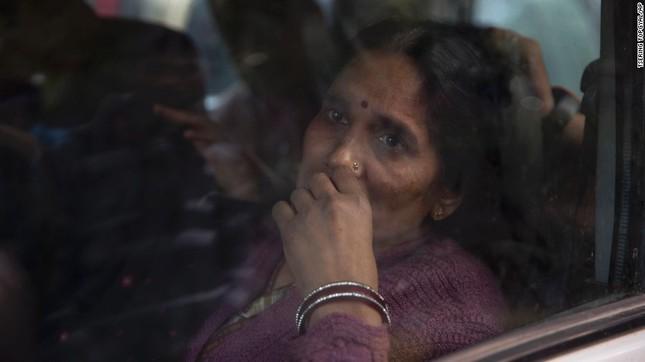 Ấn Độ: Hàng trăm người biểu tình phản đối phóng thích kẻ hiếp dâm - ảnh 3