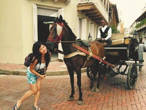 Bí quyết du lịch 90 nước của cô gái trẻ Trung Quốc - ảnh 1