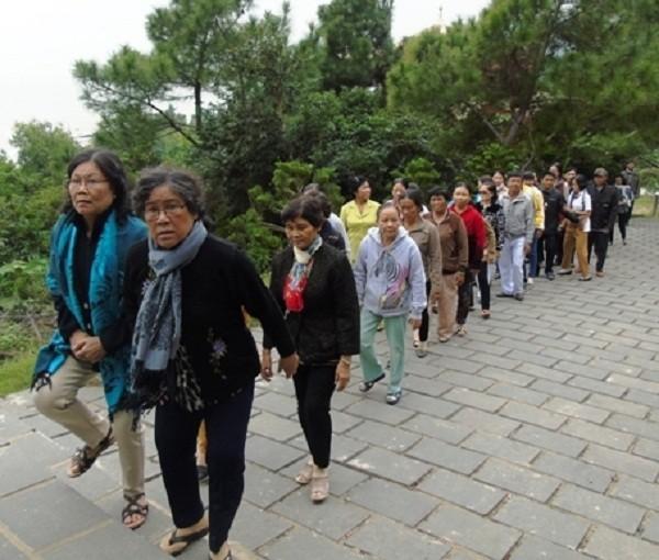 Hàng nghìn lượt người viếng mộ Đại tướng Võ Nguyên Giáp ngày 22/12 - ảnh 1