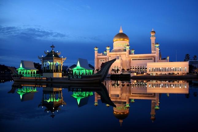 Đón Giáng sinh ở Brunei sẽ đối mặt với án tù 5 năm - ảnh 1