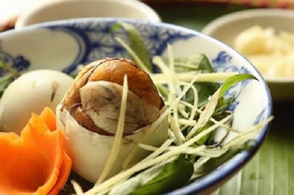 Có nên cho trẻ nhỏ ăn trứng vịt lộn hay không? - ảnh 1
