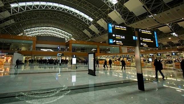 Nổ gây chết người tại sân bay Thổ Nhĩ Kỳ, nghi do khủng bố - ảnh 1