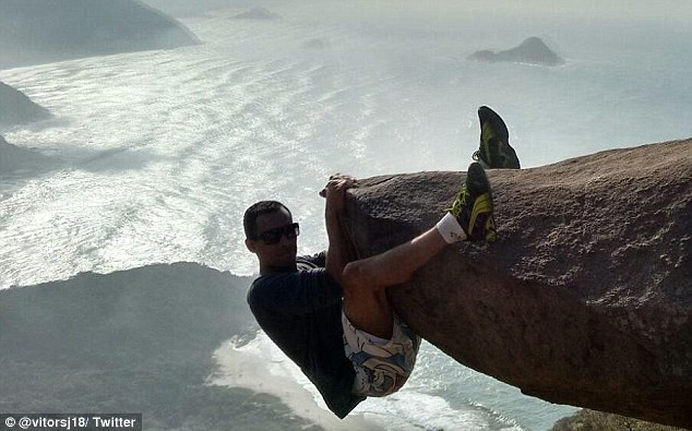 'Ngã ngửa' với sự thật sau bức ảnh chàng trai 'đu trên vách đá' - ảnh 2