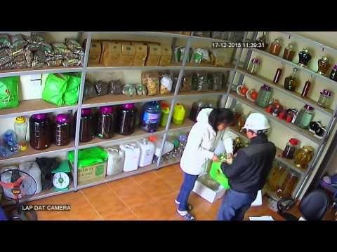 Hà Nội: Nữ nhân viên bị thôi miên lừa tiền ngay tại cửa hàng? - ảnh 2