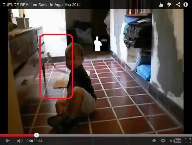 Video ghi lại cảnh người tí hon xuất hiện ở Argentina? - ảnh 1