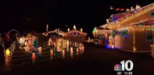 Xây nhà phát sáng đón Giáng sinh cùng bố mẹ trên thiên đường - ảnh 6