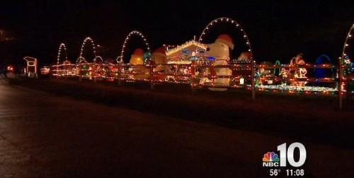 Xây nhà phát sáng đón Giáng sinh cùng bố mẹ trên thiên đường - ảnh 5