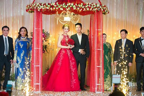 Đám cưới ngập tràn không khí Giáng sinh của Á hậu Diễm Trang - ảnh 13
