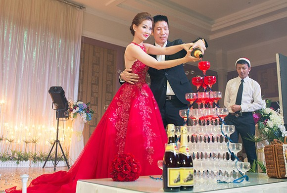 Đám cưới ngập tràn không khí Giáng sinh của Á hậu Diễm Trang - ảnh 6