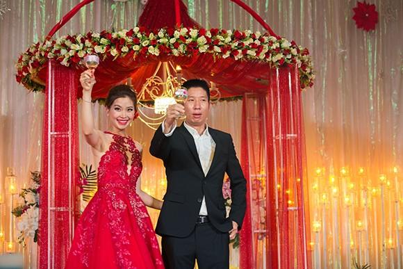 Đám cưới ngập tràn không khí Giáng sinh của Á hậu Diễm Trang - ảnh 7