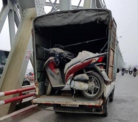 Lô Honda SH 150i phủ bụi suốt 3 năm trong kho tổng ở Hà Nội - ảnh 1