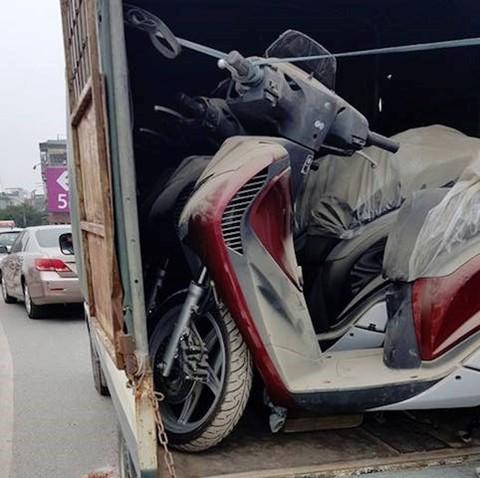 Lô Honda SH 150i phủ bụi suốt 3 năm trong kho tổng ở Hà Nội - ảnh 3