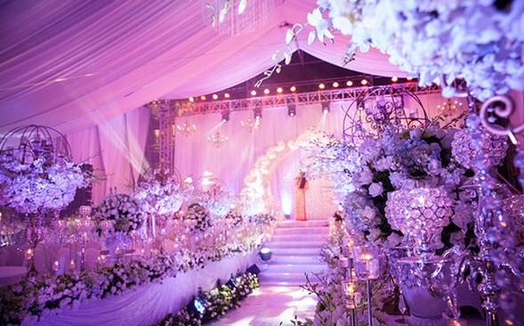 Điểm danh những đám cưới 'khủng' ở Việt Nam - ảnh 3