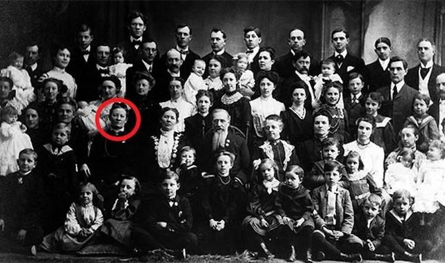 Bà vợ 'mắn đẻ' nhất thế giới: sinh 69 người con trong 40 năm - ảnh 1