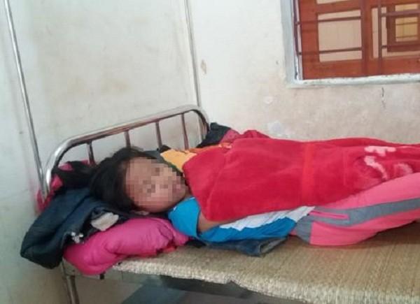 Đêm Noel kinh hoàng của bé gái 12 tuổi bị đâm vào cánh tay - ảnh 1