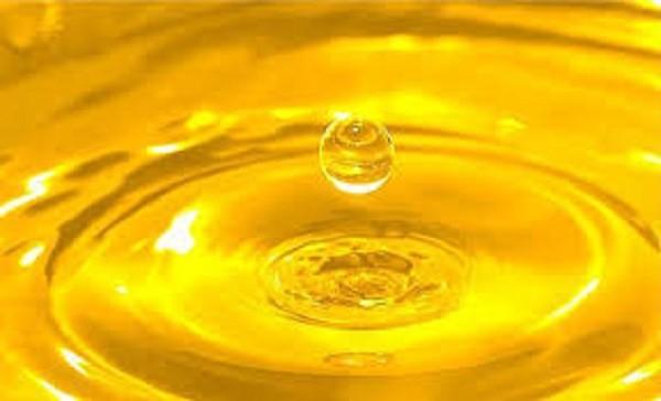 Sai lầm lớn khi dùng dầu ăn gây nguy hiểm cho sức khỏe - ảnh 1