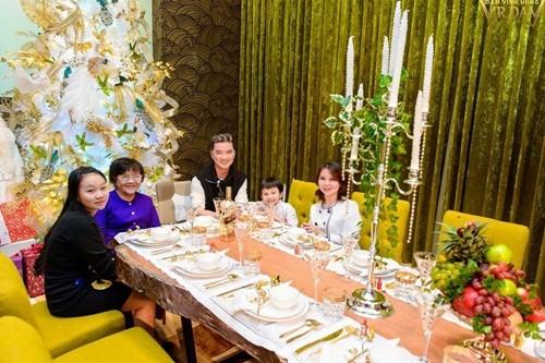 Đàm Vĩnh Hưng mở tiệc hoàng gia tại biệt thự triệu đô - ảnh 1