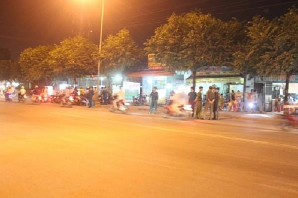 Va chạm giao thông, 2 thanh niên bị đâm chết - ảnh 1
