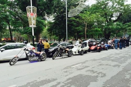Xôn xao dàn siêu xe, mô tô 'khủng' trong đám hỏi ở Hải Phòng - ảnh 4