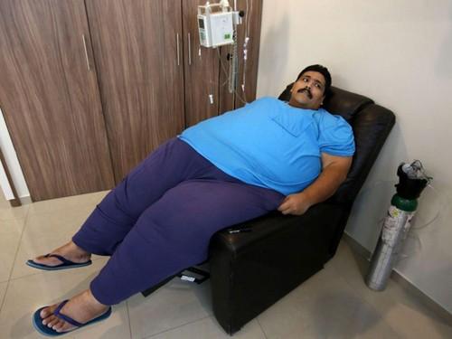 Người đàn ông béo nhất thế giới qua đời vì đau tim - ảnh 1
