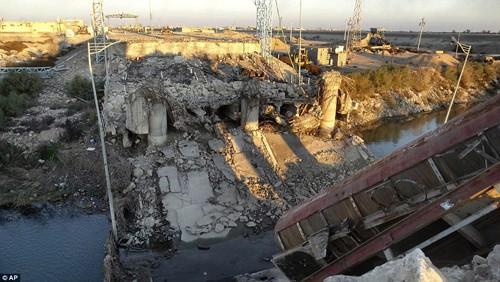 Bên trong thành phố chiến lược Ramadi quân đội Iraq tái chiếm  - ảnh 13