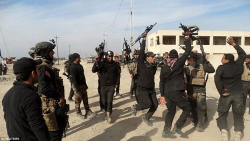 Bên trong thành phố chiến lược Ramadi quân đội Iraq tái chiếm  - ảnh 4