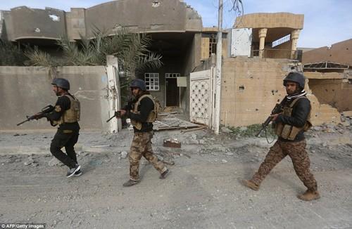 Bên trong thành phố chiến lược Ramadi quân đội Iraq tái chiếm  - ảnh 8