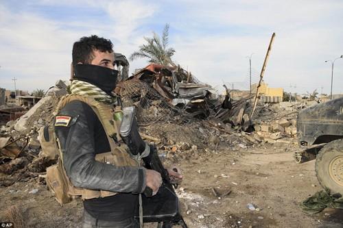 Bên trong thành phố chiến lược Ramadi quân đội Iraq tái chiếm  - ảnh 5
