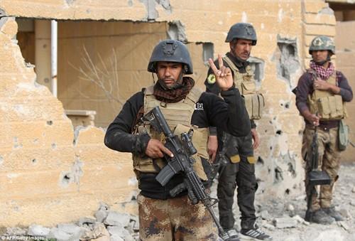 Bên trong thành phố chiến lược Ramadi quân đội Iraq tái chiếm  - ảnh 10